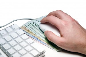 Les sites de vente en ligne tels que Ebay ou même les marchés aux puces peuvent être un bon moyen pour gagner des sous rapidement